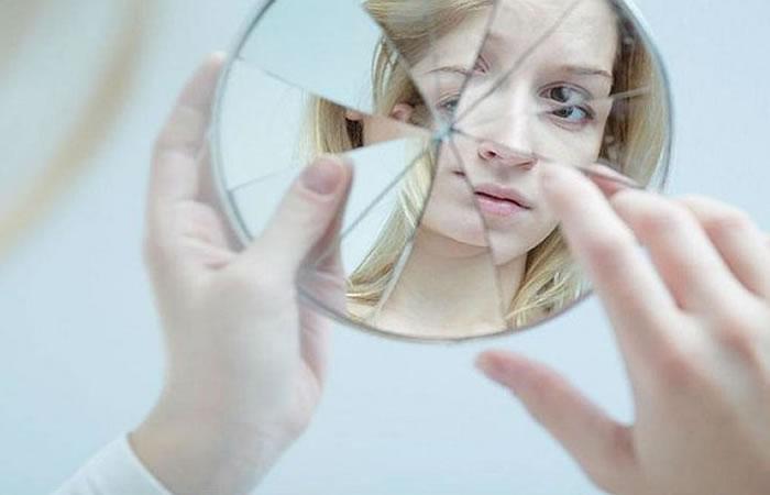 que hacer cuando se rompe un espejo