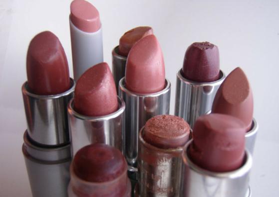 Si buscas tu color de labios perfecto, la respuesta está en tus pezones