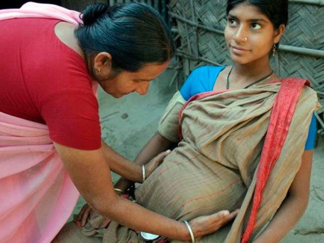 """Los """"pensamientos lujuriosos"""" son malos para el feto, según el Gobierno indio"""