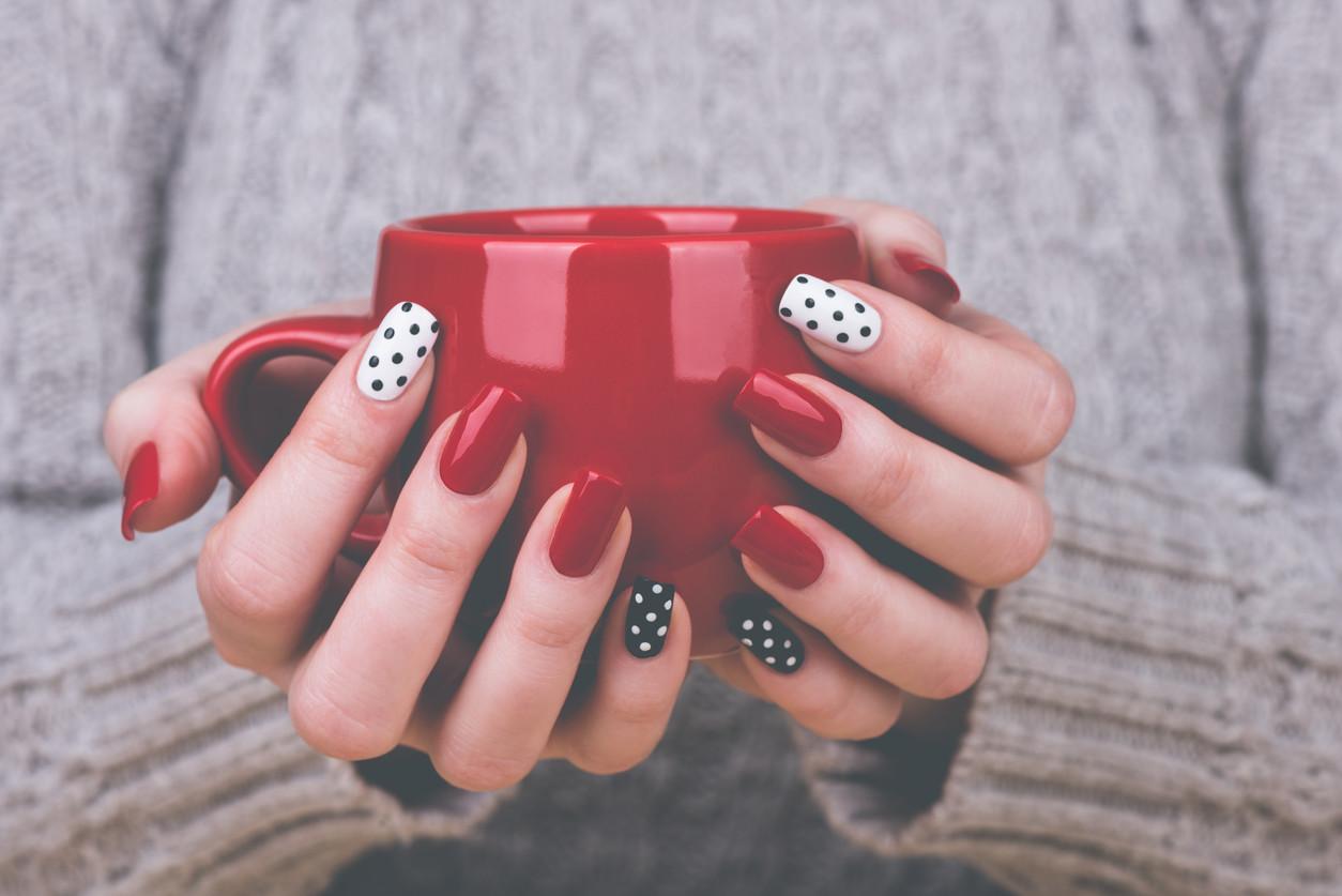 Uñas decoradas: los mejores trucos para decorar tus uñas