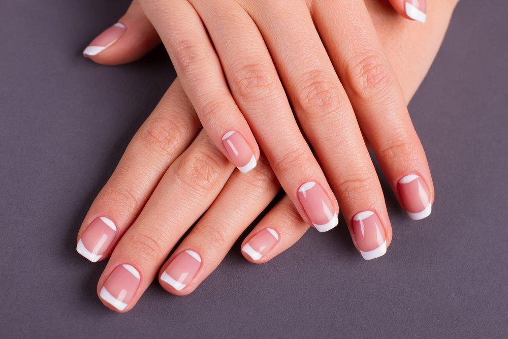 Manicura casera: cómo hacer las uñas francesas paso a paso