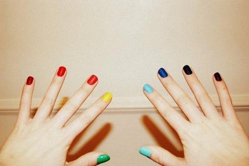 Uñas pintadas más tiempo: los mejores trucos para que dure más la manicura