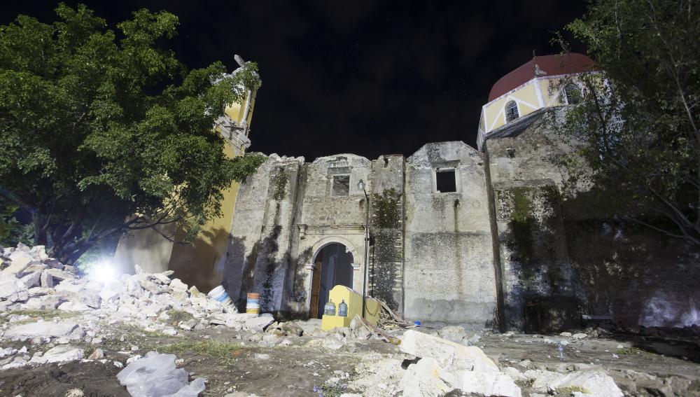 iglesia derrumbada terremoto