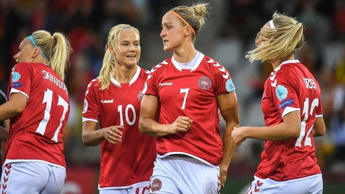 Un equipo de fútbol cede parte de su sueldo al equipo femenino para igualarlos
