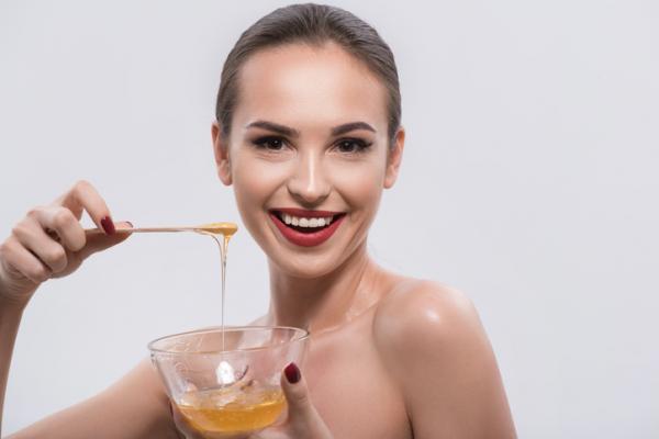 Beneficios de usar la miel para el rostro
