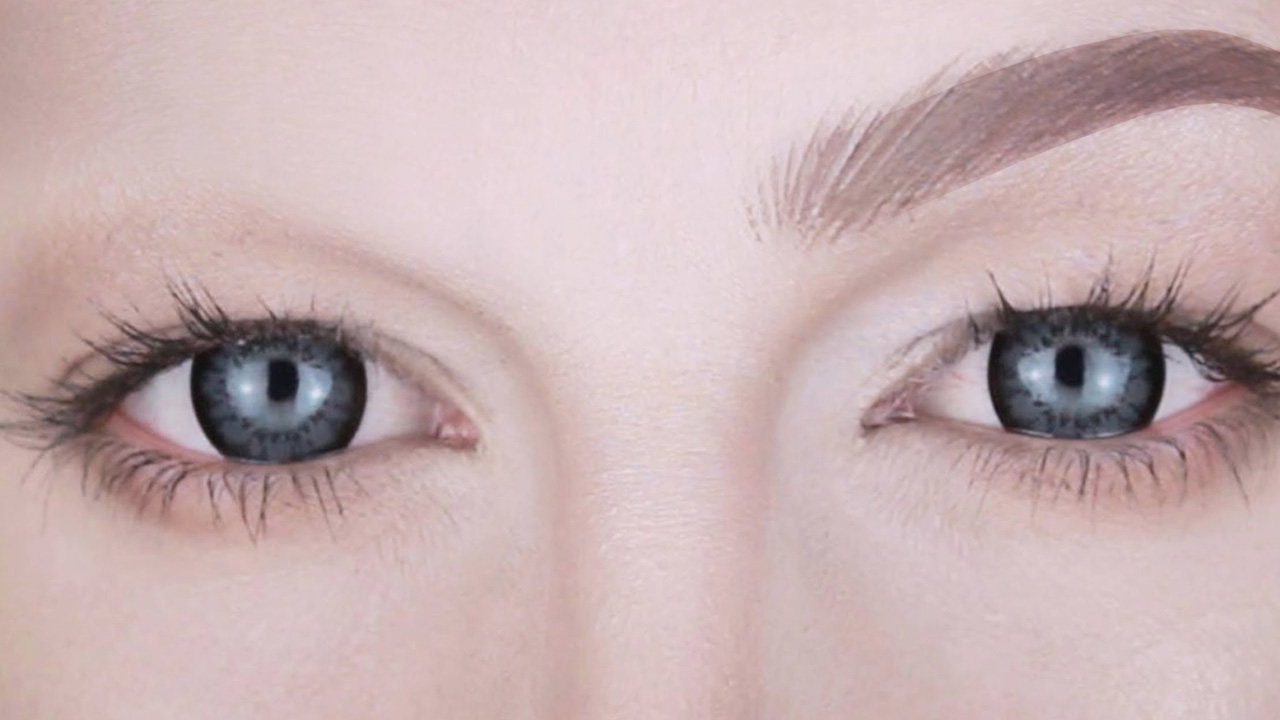 ¿Qué son las cejas postizas y cómo se utilizan?