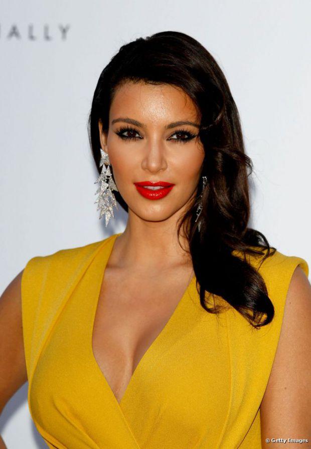 Maquillaje para vestido amarillo y negro
