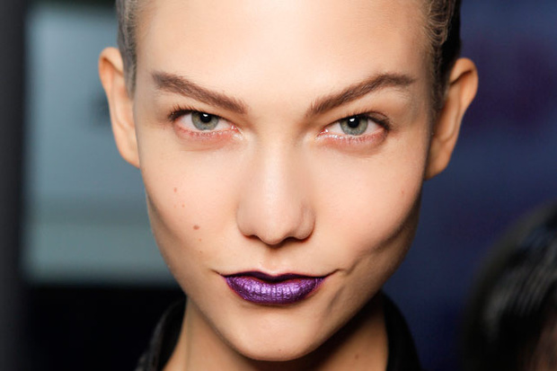 Maquillaje con labios morados: consejos para acertar con este labial
