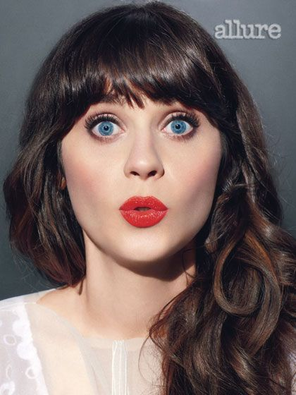maquillaje ojos azules labios rojos