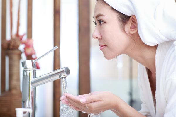 8 usos que no conocías del aceite de coco para la cara