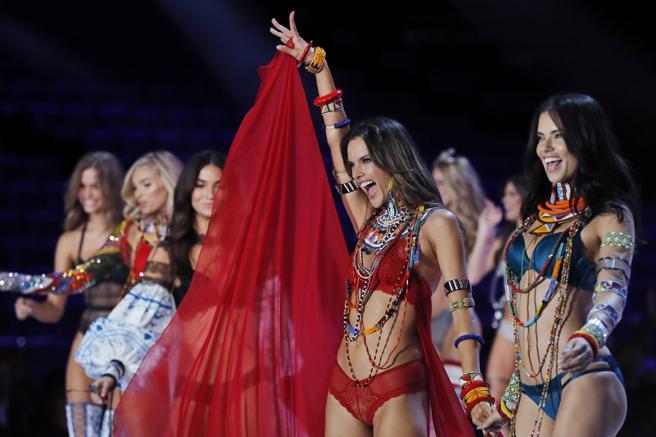 Las mejores imágenes del desfile de Victoria's Secret en Shangay