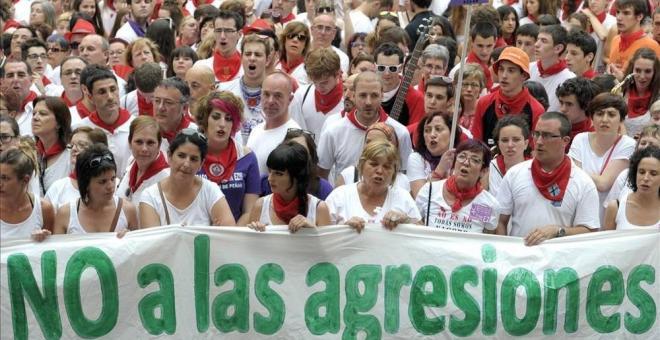 """""""Nosotras sí somos manada"""": España apoya a la víctima de """"La Manada"""""""