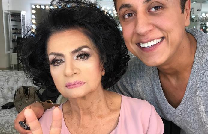 Este maquillador rejuvenece a mujeres mayores con maquillaje