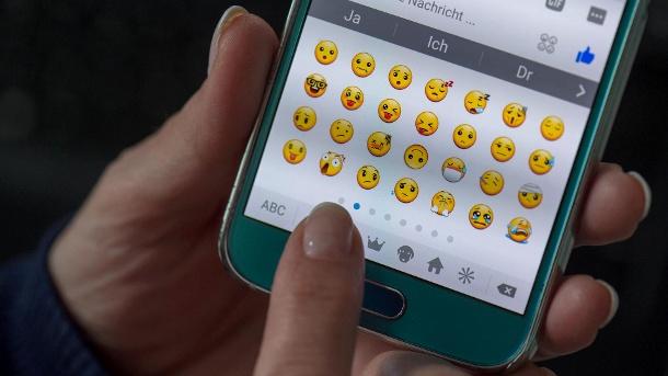 Este emoji tiene un significado erótico lésbico y nadie sabía nada