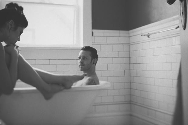 5 razones por las que ducharse en pareja mejorará vuestra relación