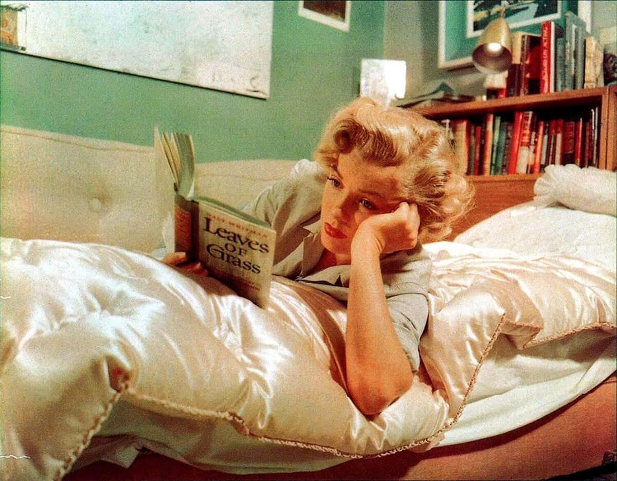 Existen más fotografías de Marilyn Monroe leyendo que desnuda